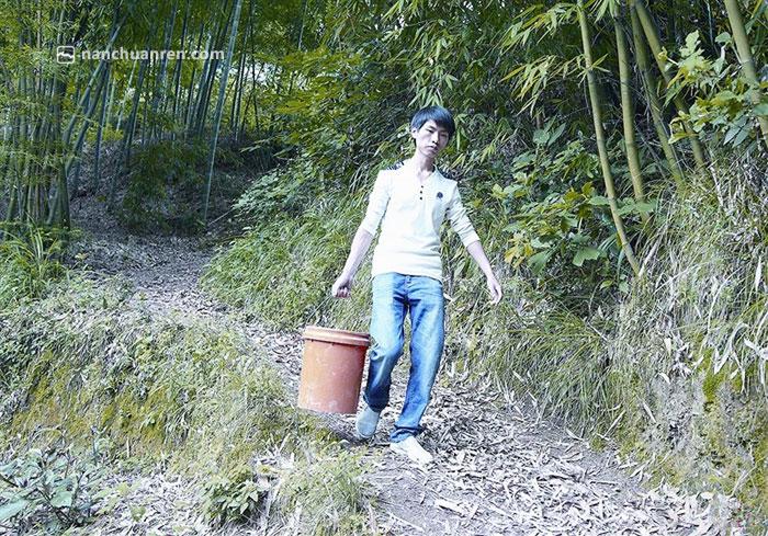 【刘远的最初创业之路如同他脚下的小径蜿蜒曲折……】